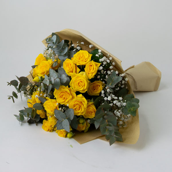 Bouquet of spray yellow roses
