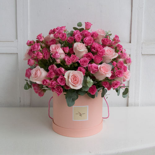 Pink roses in a pink box