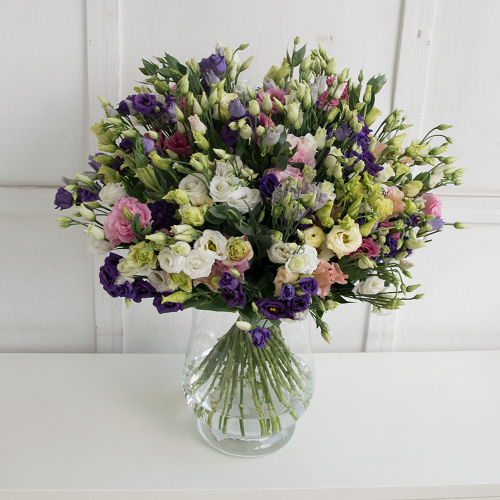 Pure bouquet of eustoma