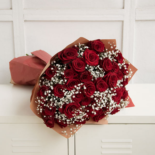 Red roses with baby breath (from 36 to 101)